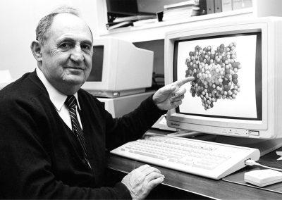 Dr. Raymond Lemieux | Award of Distinction